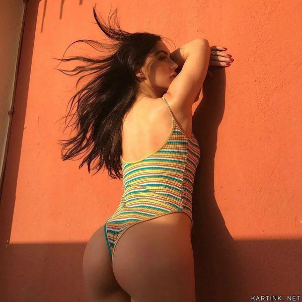 Ольга в купальнике